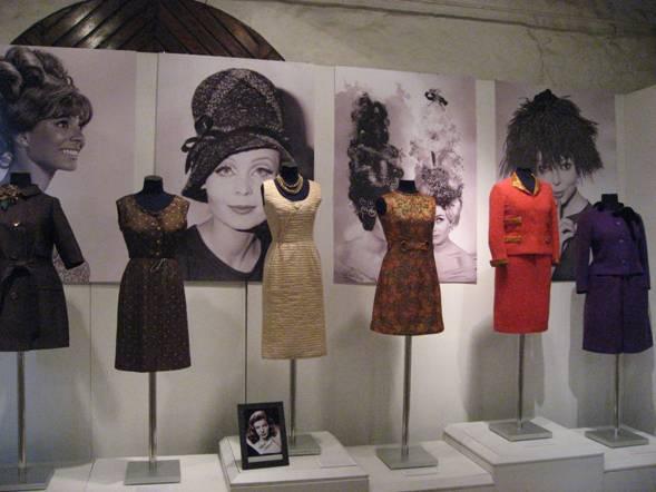 """Aleksandra Vasiļjeva kolekcijas izstāde """"No mini līdz maksi. 20. gs. 60. gadu mode."""""""